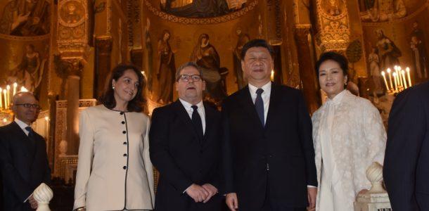 Xi Jinping abbagliato dalla bellezza di Palazzo Reale