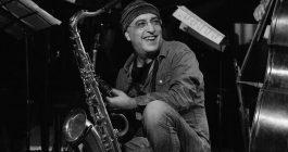 Orazio, l'artista del jazz fa tappa a Segesta